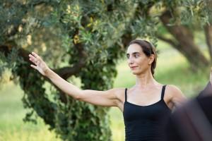SENSI / ATELIER DI DI MOVIMENTO, COMPOSIZIONE E BENESSERE con BARBARA MARTININI - A passo d'uomo 2016