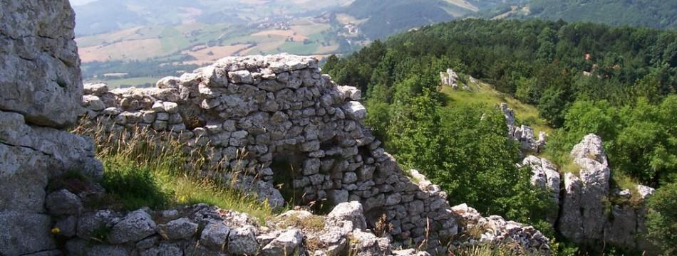 rovine-castello-montecopiolo